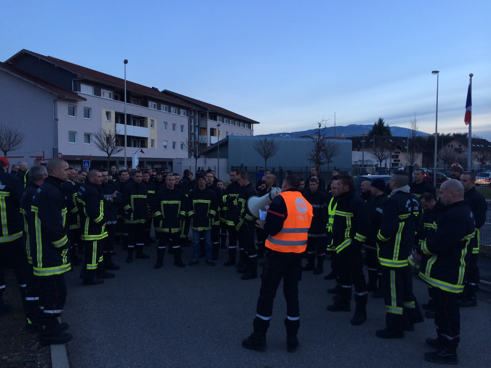 Photo 2 cfdt pompiers pats - Grille salaire police municipale ...