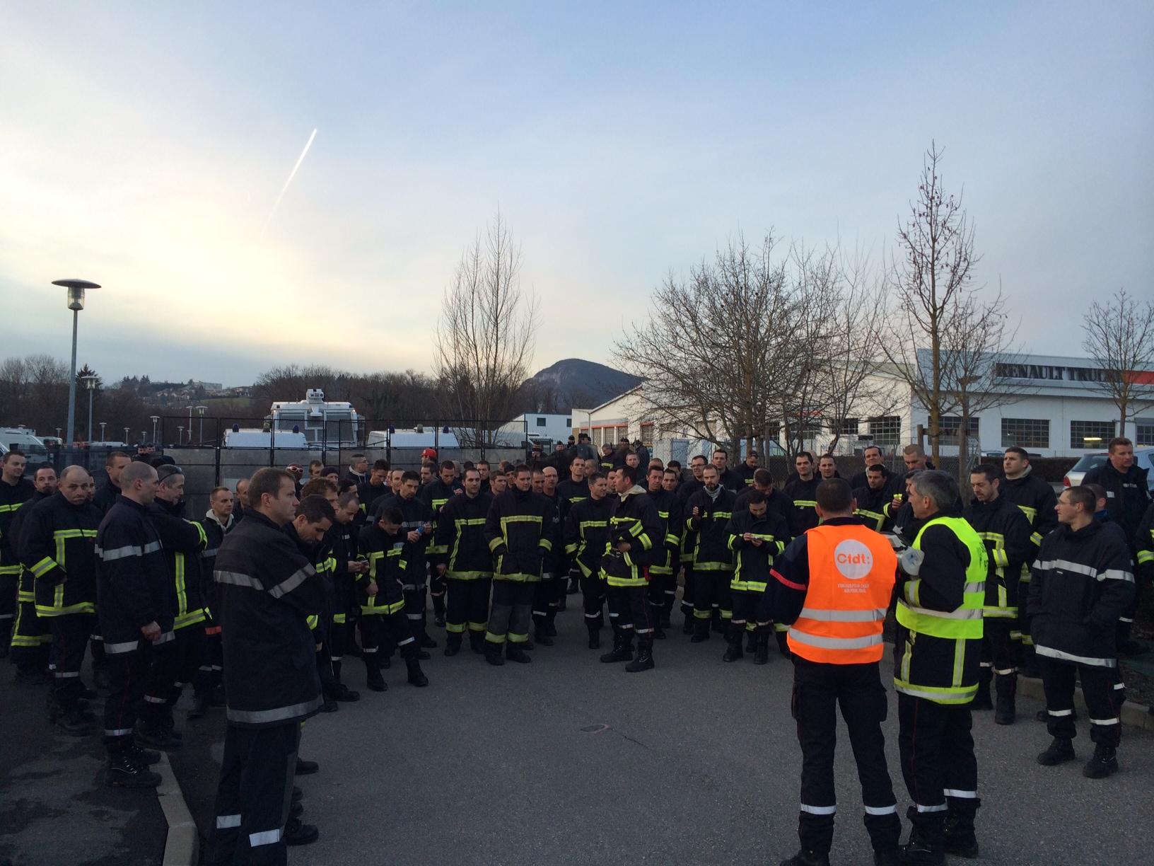 Les pompiers de haute savoie font peur aux lus cfdt pompiers pats - Point p annemasse ...
