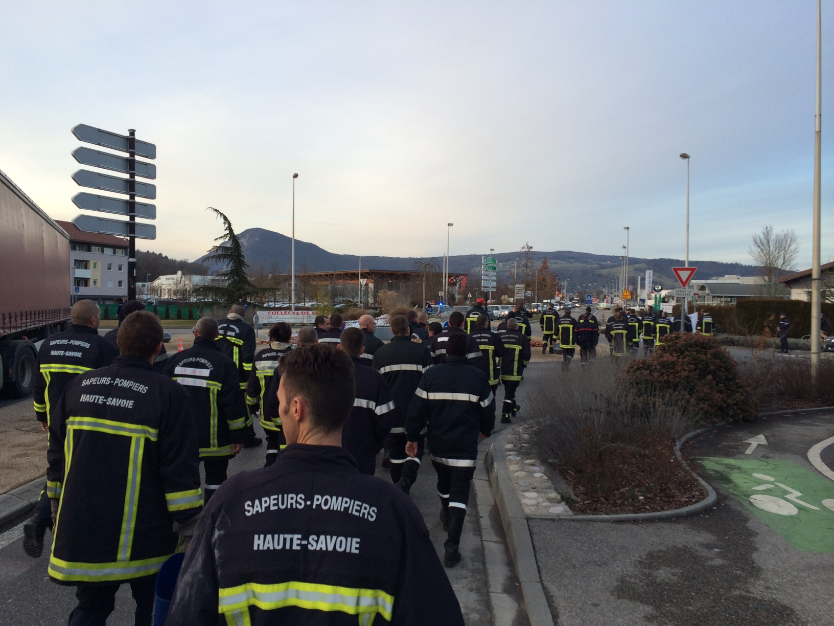 Photo 55 cfdt pompiers pats - Grille salaire police municipale ...